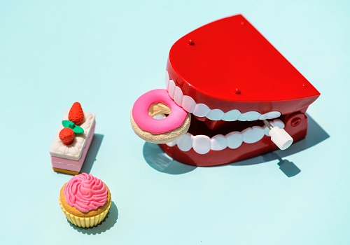 Keep your teeth healthy in 4 simple ways